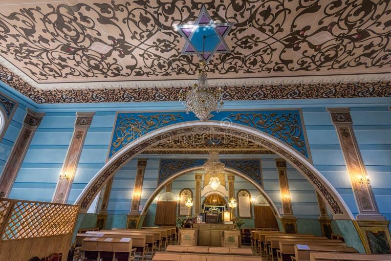 Interior de la sinagoga fotografía de archivo