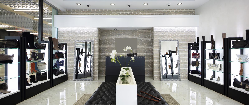 Interior de la zapatería en alameda europea moderna imagenes de archivo