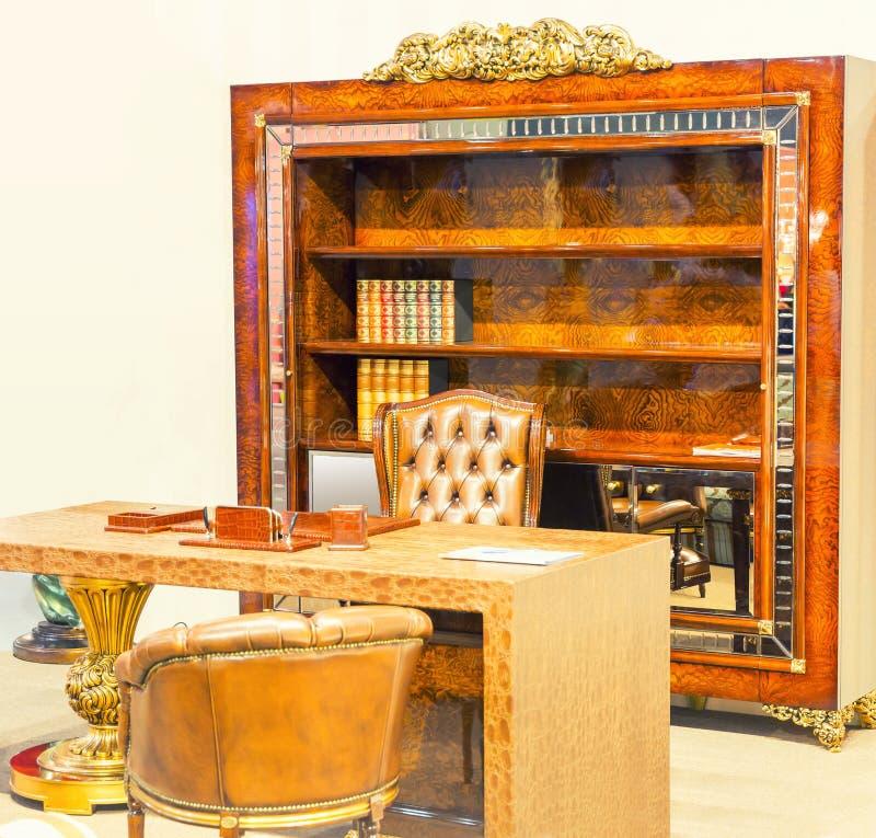 Download Interior De Lujo De La Sala Foto de archivo - Imagen de pelo, libro: 42426778