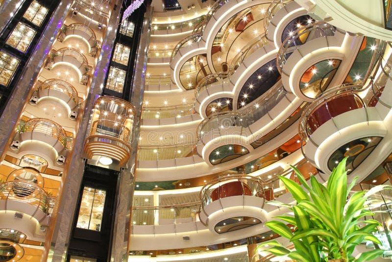 Interior de lujo del barco de cruceros fotografía de archivo