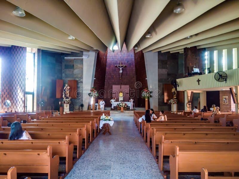 Interior de Parroquia del Carmen en Cucuta Colombia fotografía de archivo