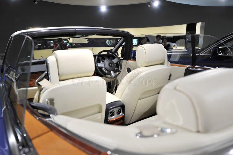 Interior de Rolls Royce Phantom Drophead Coupe no museu de BMW foto de stock