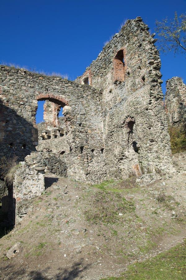 Interior de ruínas da fortaleza fotografia de stock royalty free