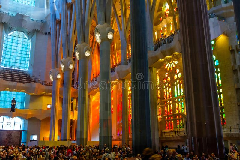 Interior de Sagrada Familia foto de stock royalty free