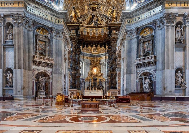 Interior de San Pedro ' basílica de s imagen de archivo libre de regalías