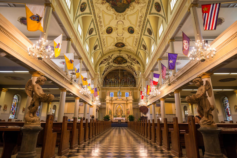 Interior de St Louis Cathedral em Jackson Square New Orleans imagens de stock royalty free