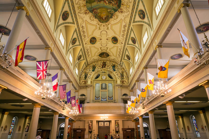 Interior de St Louis Cathedral en Jackson Square New Orleans fotografía de archivo libre de regalías