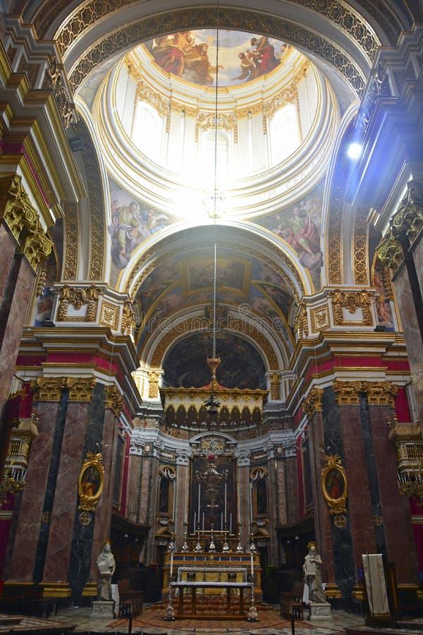 Interior de St Pauls Cathedral em Mdina, Malta foto de stock