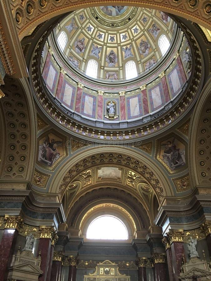 Interior de St Stephen, Budapest imagenes de archivo