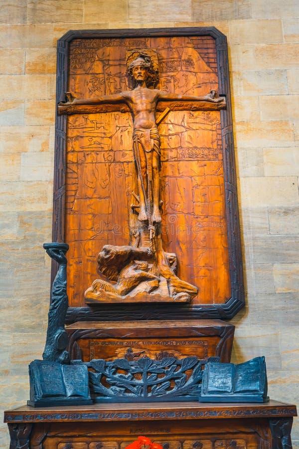 Interior de St Vitus Cathedral no castelo de Praga, República Checa imagens de stock