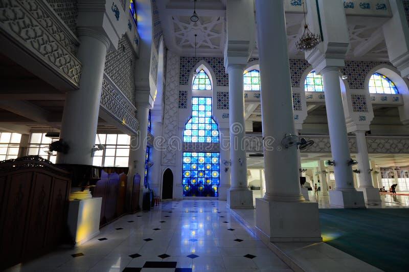 Interior de Sultan Ahmad Shah 1 mesquita em Kuantan fotografia de stock royalty free