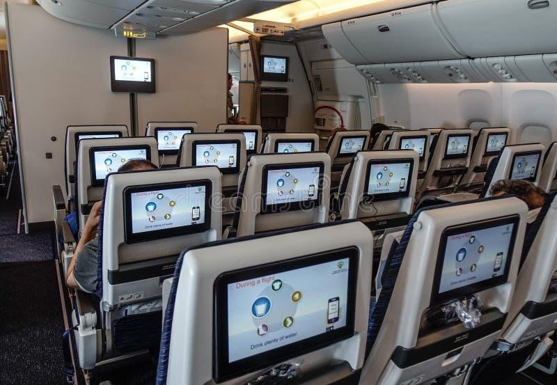 Interior de um avião do passageiro fotos de stock royalty free