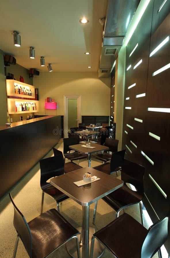 Interior de um café moderno imagem de stock royalty free