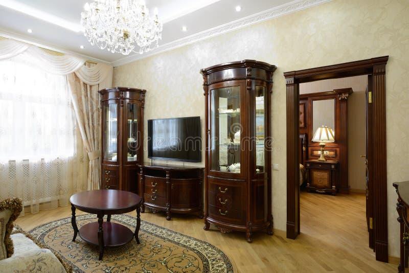 Interior de uma sala de visitas luxuosa foto de stock