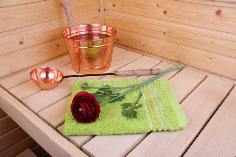 Interior de uma sauna finlandesa foto de stock royalty free