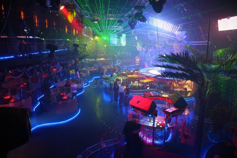 Interior de un club de noche fotos de archivo