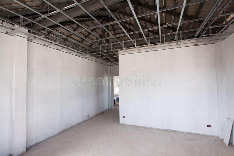 Interior de un cuarto bajo construcción. imagenes de archivo