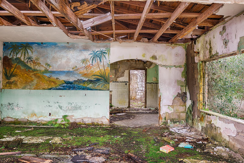Interior de un motel abandonado, la Florida fotografía de archivo