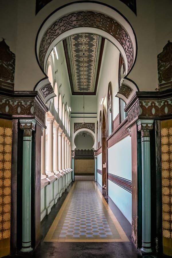 Interior de una gran mezquita del al-Mashun en Medan imagen de archivo libre de regalías