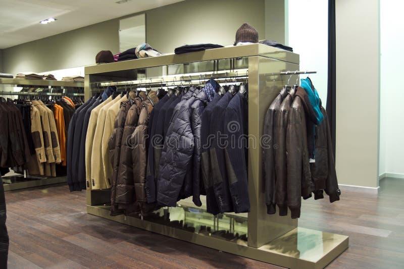Interior de vestuário da loja fotografia de stock