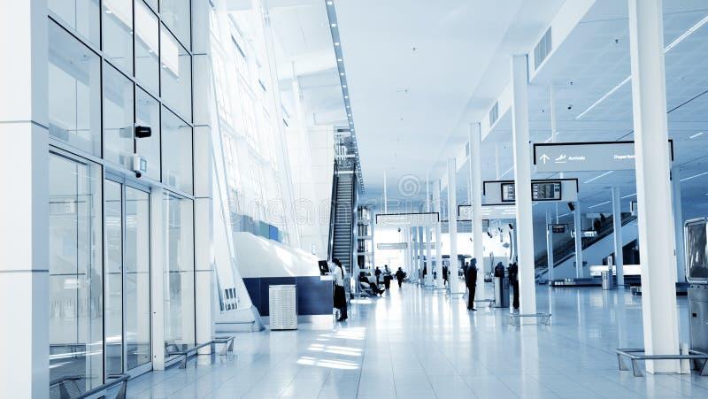 Interior del aeropuerto imagenes de archivo