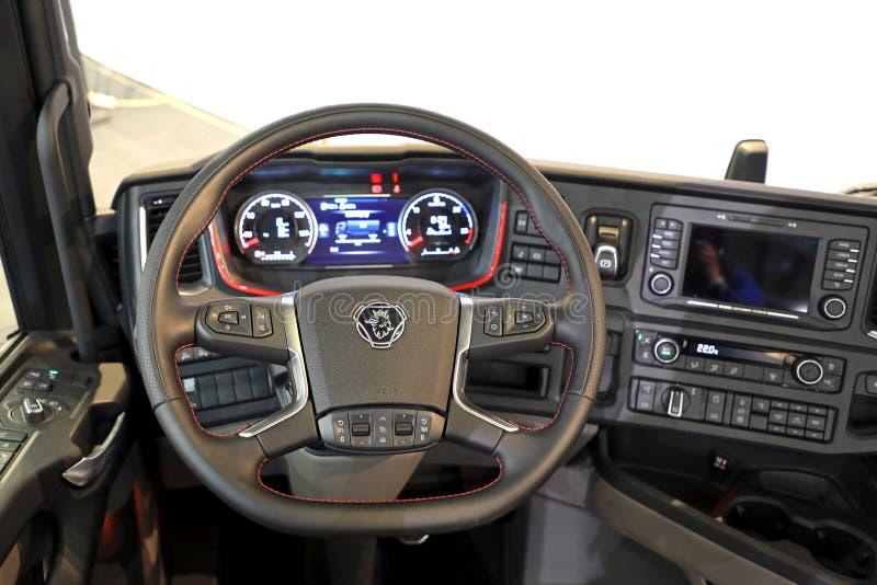 Interior del camión de Scania de la siguiente generación imagenes de archivo