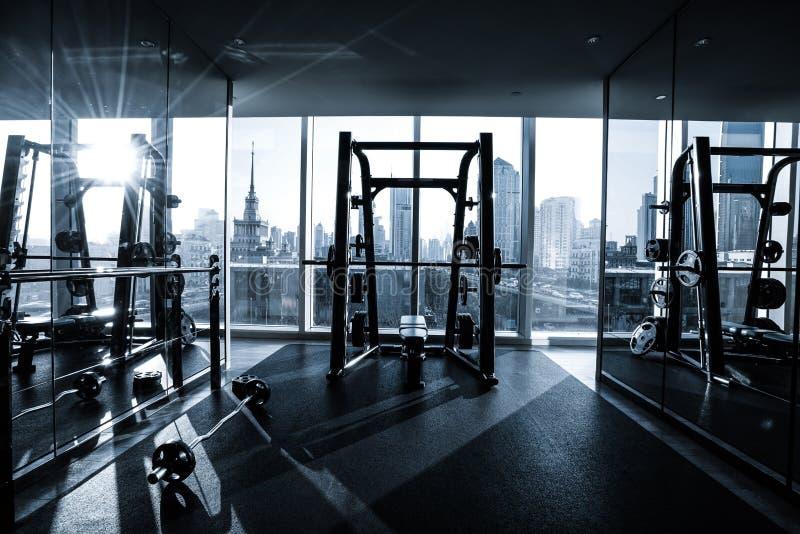 Interior del club de fitness foto de archivo libre de regalías