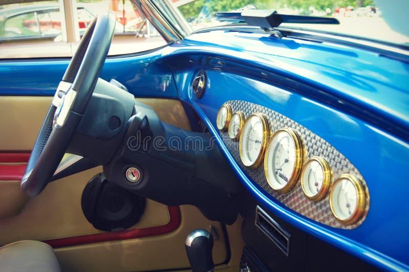 Interior del coche antiguo imágenes de archivo libres de regalías