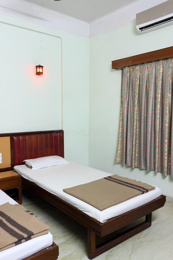 Interior del cuarto de motel del hotel o foto de archivo libre de regalías