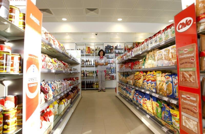 Interior del departamento de la gasolinera fotos de archivo libres de regalías