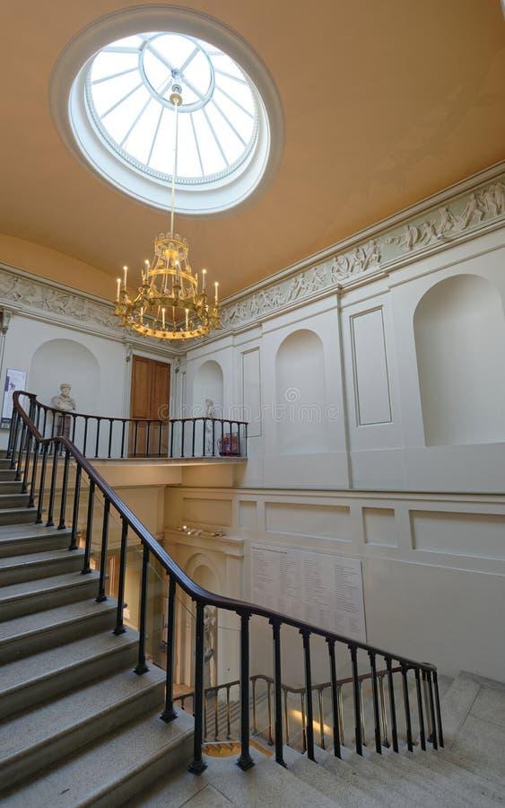Interior del edificio clásico imagen de archivo