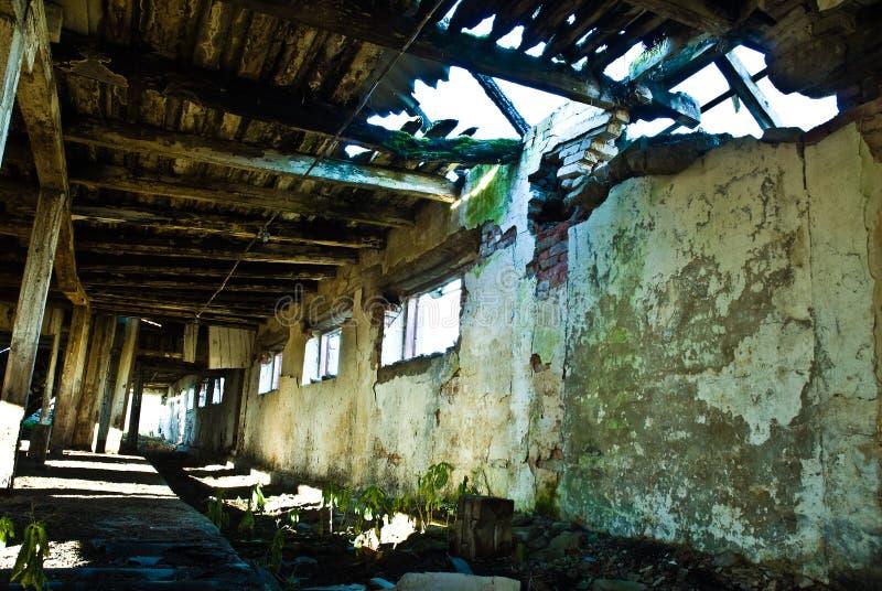 Interior del granero abandonado foto de archivo libre de regalías