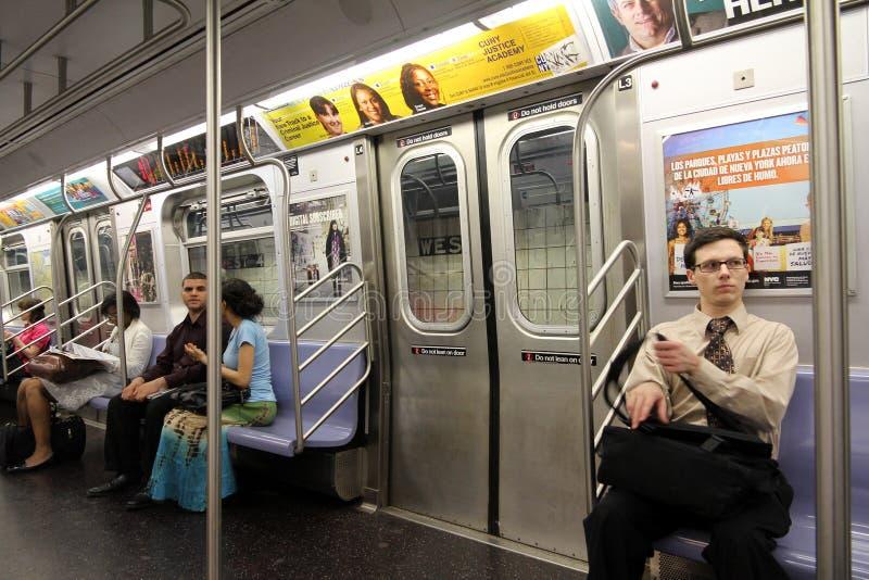 Interior del metro de Nueva York imagen de archivo