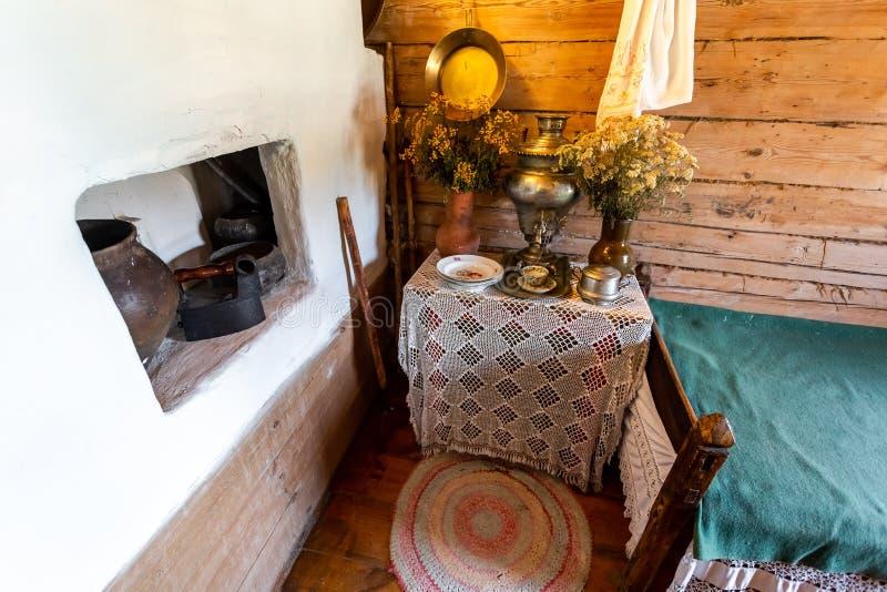 Interior del museo de la casa del pintor Ilya Repin imagenes de archivo