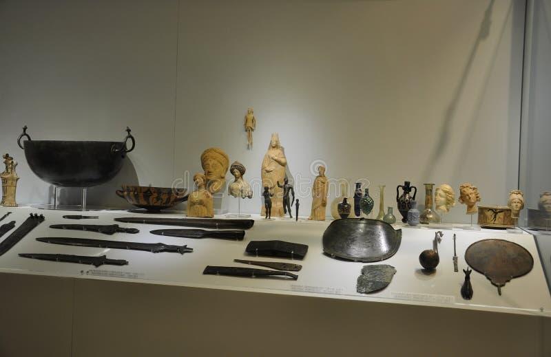 Interior del museo de Minoan Archaelogical de Heraklion en la isla de Creta imágenes de archivo libres de regalías