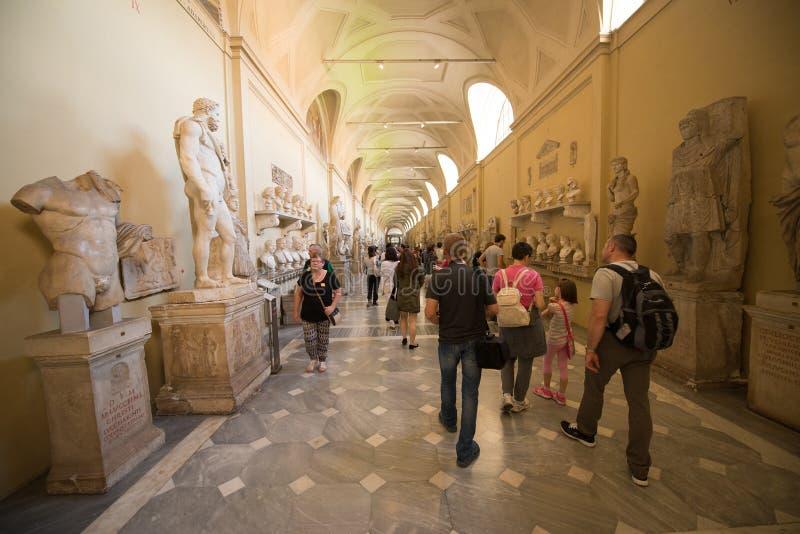 Interior del museo del Vaticano fotos de archivo