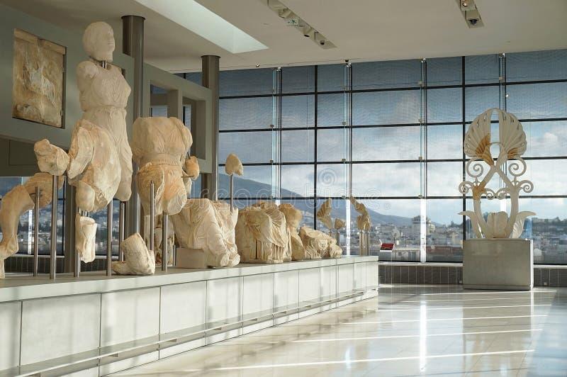 Interior del nuevo museo de la acrópolis imagenes de archivo