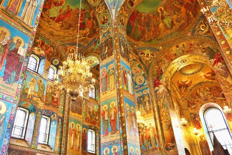 Interior del salvador de la iglesia en sangre derramada imagenes de archivo