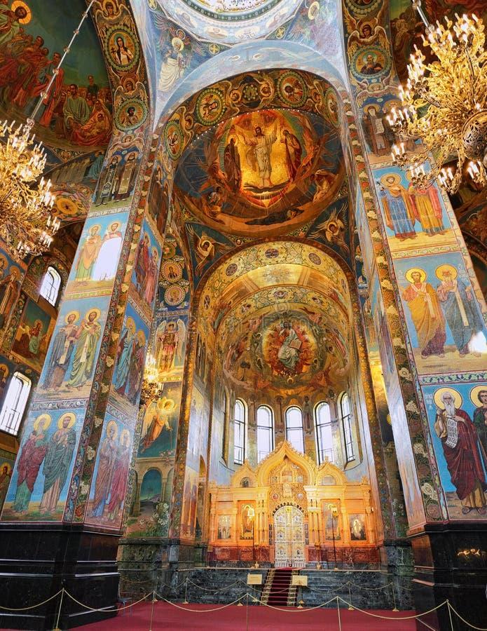Interior del salvador de la iglesia en sangre derramada fotos de archivo