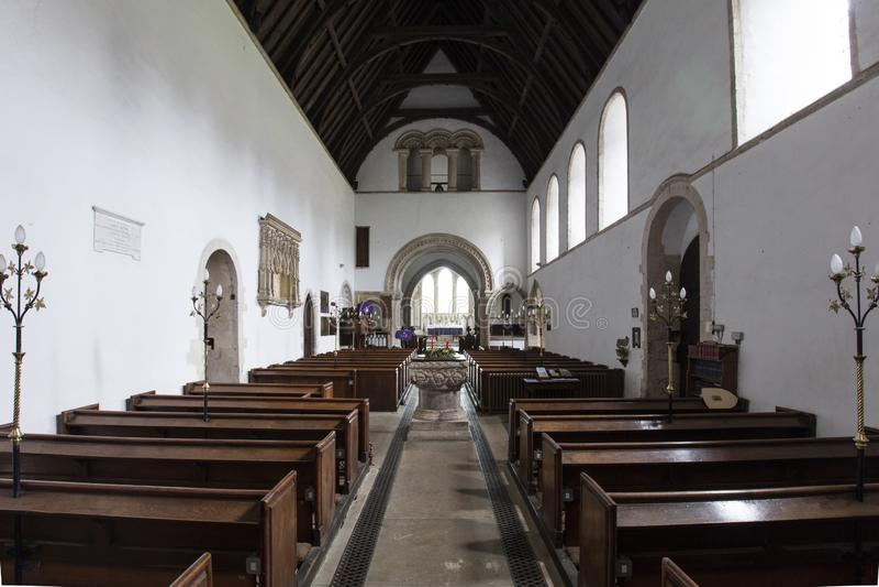 Interior del santo Lawrence Church, castillo que sube, Norfolk, Reino Unido - 13 de diciembre de 2015 fotos de archivo