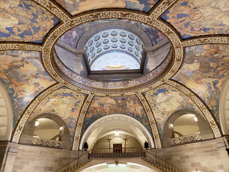 Interior del techo los E.E.U.U. del edificio del capitol del estado de Missouri fotos de archivo