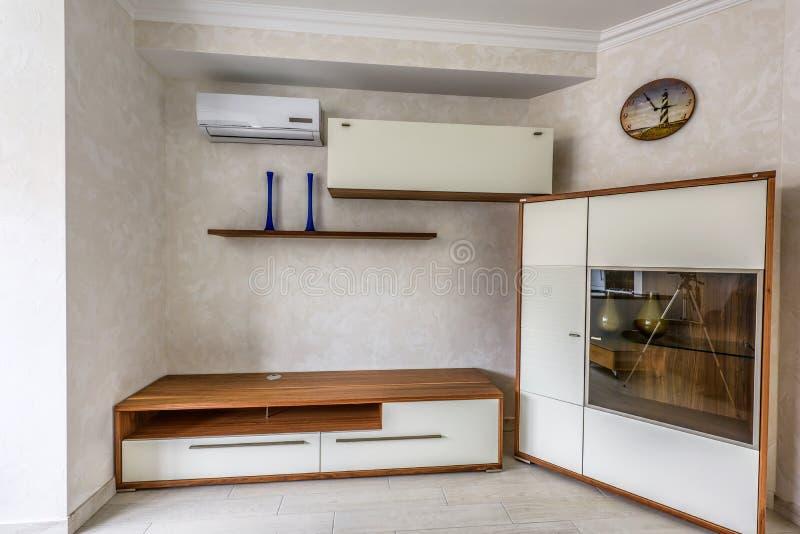 Interior design bianco dell 39 appartamento della foto di for Appartamento interior design
