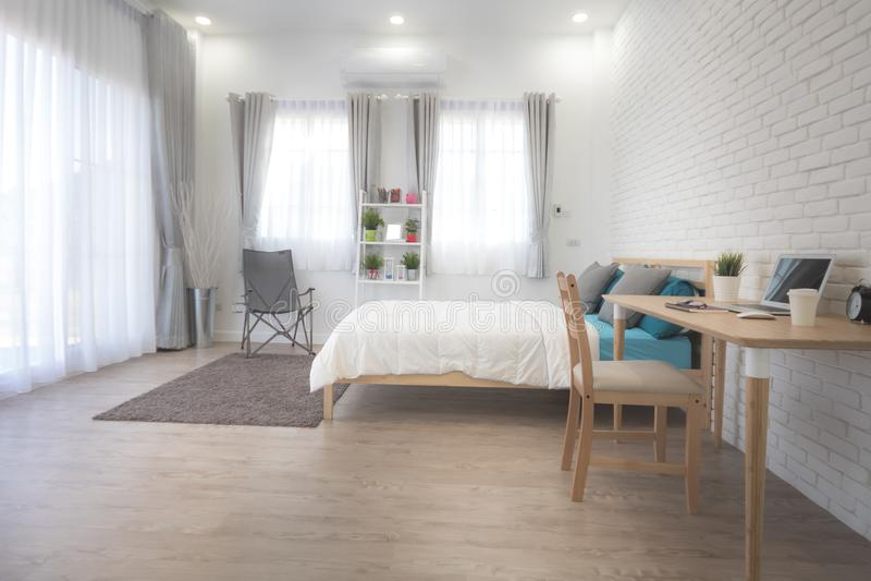 Interior Design Della Camera Da Letto Dell\'hotel Studio Bianco Della ...