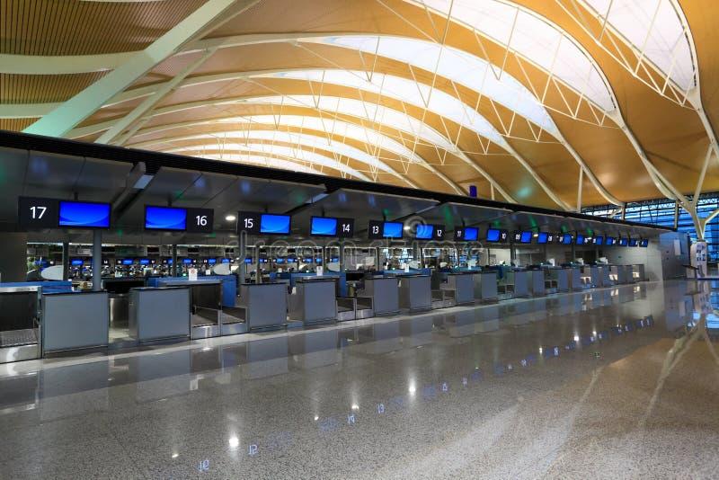 Interior do aeroporto do pudong de shanghai fotografia de stock