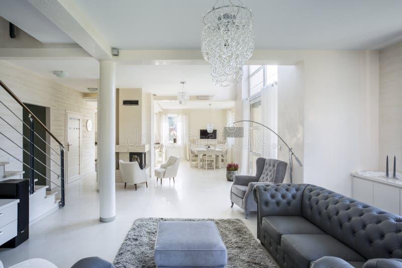 Interior do apartamento luxuoso fotografia de stock