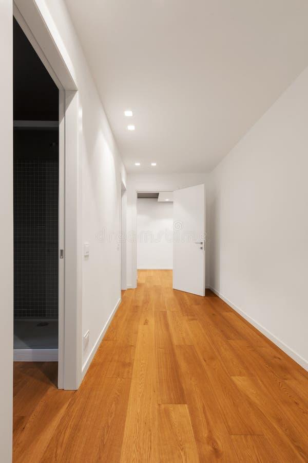 Interior do apartamento moderno, corredor fotos de stock royalty free
