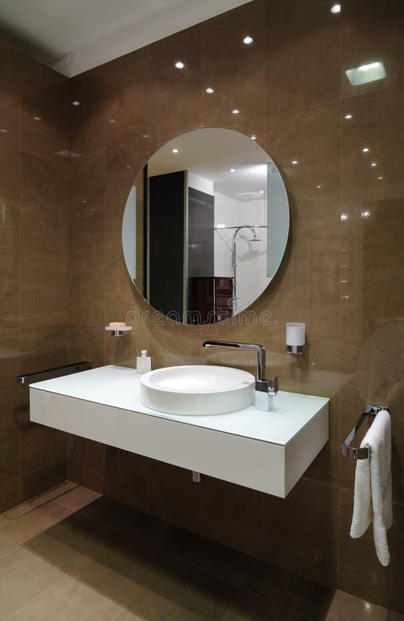 Interior do banheiro imagens de stock