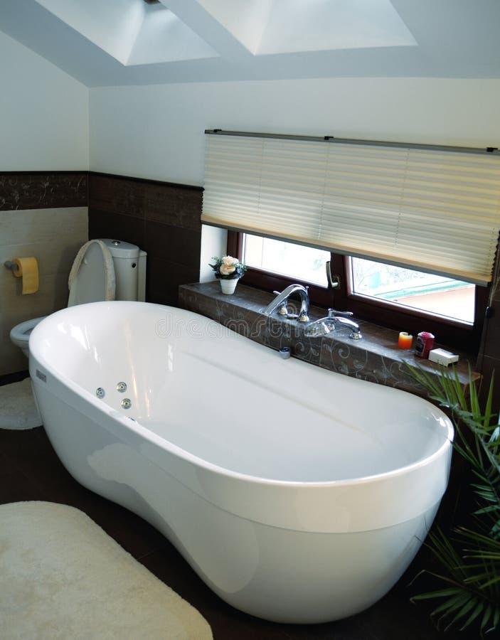Interior do banheiro moderno imagem de stock royalty free