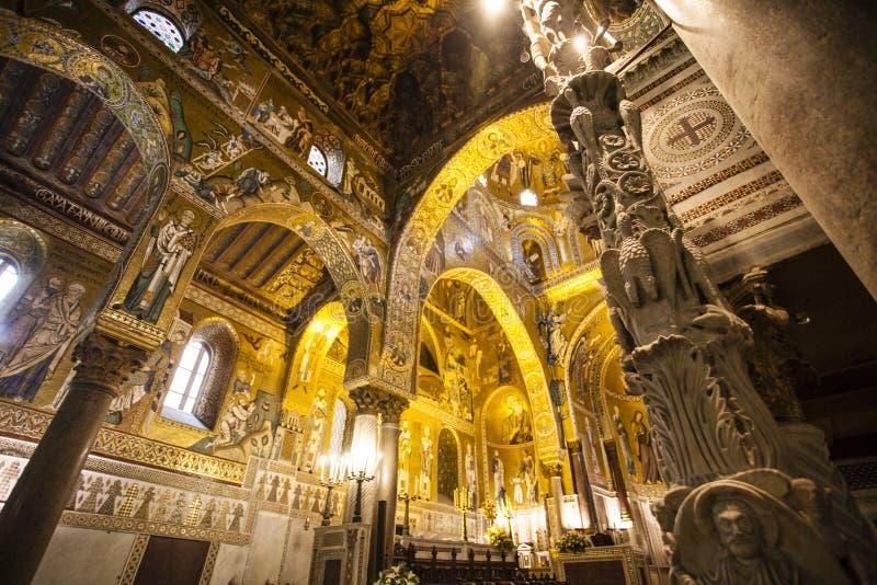 Interior do Capella Palatina Chapel dentro do dei Normanni de Palazzo em Palermo, Sicília, Itália foto de stock royalty free