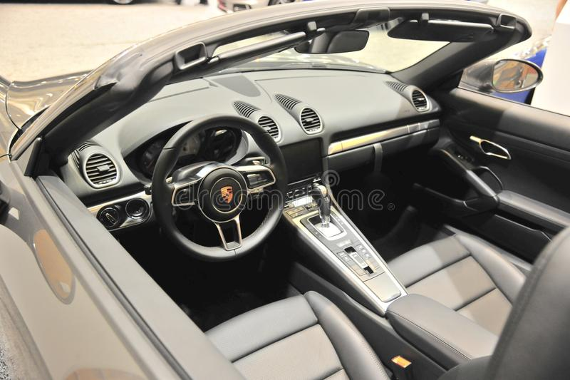 Interior do carro de esportes de Porsche imagens de stock